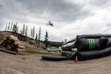 Video: Cam Zink - Mammoth Mega Flip Practice
