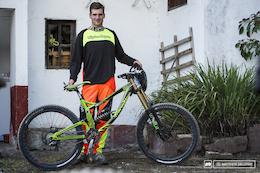 6 Urban DH Race Bikes - Taxco 2014