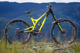 Commencal Supreme DH V4 World Cup - Review