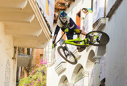 Wild in the Streets - Taxco Urban Downhill Finals