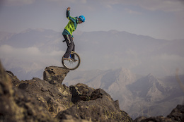 Video: Unicycling on Mount Damavand in Iran