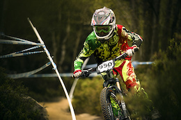 Video and Photo Epic: Steve Peat's Steel City Downhill