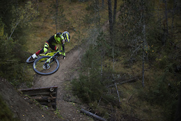 Video: Introducing the Commencal Supreme Junior 650b