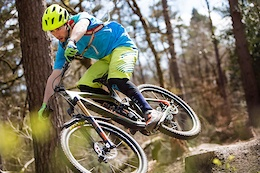 Nikki Whiles Shreds the Surrey Hills - Video