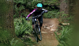 Sturdy Dirty Enduro with Team Juliana/MFR - Video