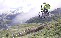 50 to 01: The Lads hit up La Thuile - Video