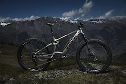Trek Powerfly FS 9 2018 - First Look