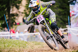 Pompon Ready to Send it in Lenzerheide
