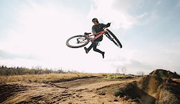 Oszkar Nagy Hits the Jumps in the Yard with Incredible Style - Video