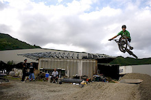 Hawaiian Gravel Jumps - Winter time in Hawaii