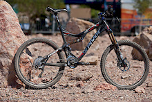 Pivot Cycles Launches Carbon Mach 5.7 – Interbike 2011