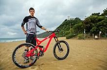 Video: Remi Absalon Bike Check - EWS Round 1 Punta Ala