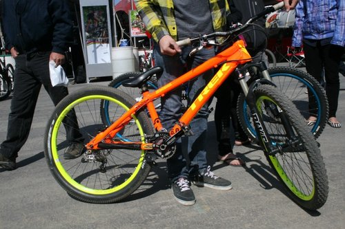 Sea Otter Riders With Their New Bikes Pinkbike